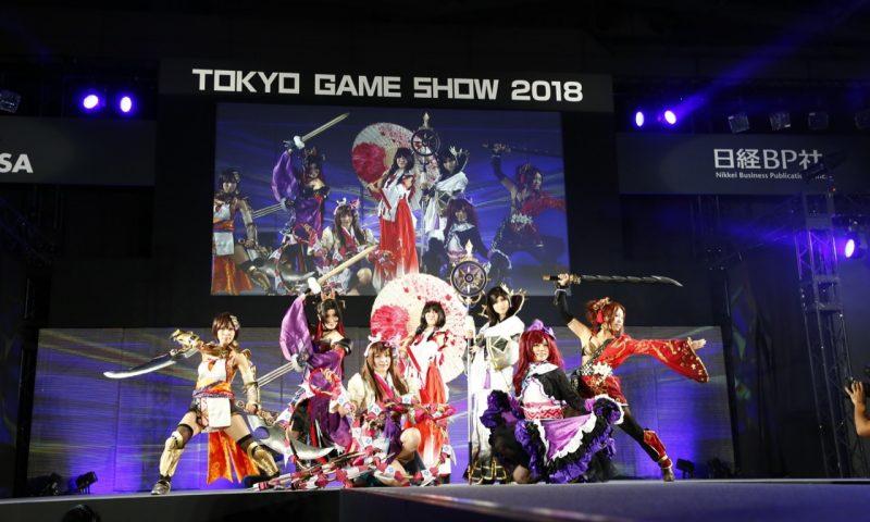 เด็กๆ หลบไปรุ่นใหญ่มาเองรวมภาพ Cosplay ภายในงาน Tokyo Game Show 2018